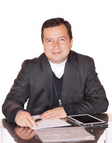 Pbro. Fernando Mayorga, Rector de la Escuela
